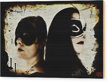 Ryli And Corinne 1 Wood Print by Mark Baranowski