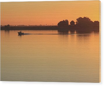 Sacramento River Sunrise Wood Print by Troy Montemayor
