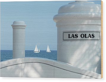 Sailing Las Olas Wood Print