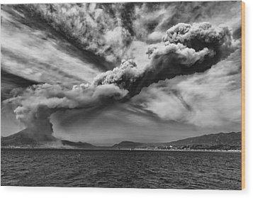 Wood Print featuring the photograph Sakurajima Volcano by Hayato Matsumoto
