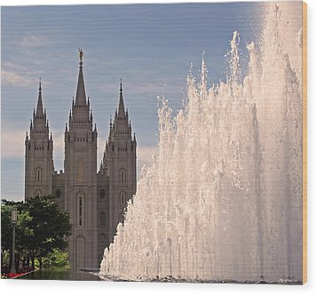 Wood Print featuring the photograph Salt Lake Temple And Fountain by Rona Black