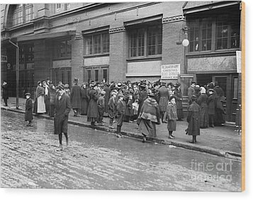 Salvation Army, 1908 Wood Print by Granger