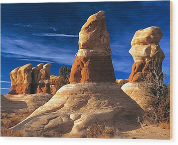Sandstone Hoodoos In Utah Desert Wood Print by Utah Images