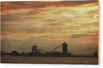 Sandusky Coal Dock Sunset Wood Print