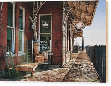 Santa Fe Depot Of Guthrie Wood Print by Lana Trussell