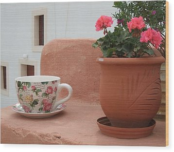Santorini Greece Cafe Teacup And Flowerpot Wood Print by Nikki Bordon