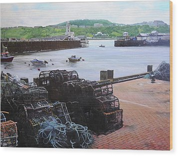 Scarborough Harbour. Wood Print by Harry Robertson
