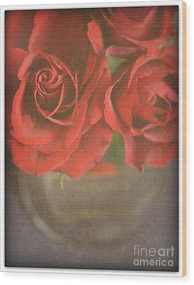 Wood Print featuring the photograph Scarlet Roses by Lyn Randle