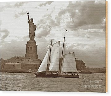 Schooner At Statue Of Liberty Twurl Wood Print by Tom Wurl