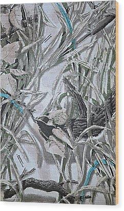 Screening Flowers Wood Print