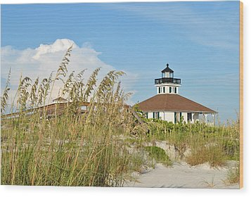 Sea Oats And Lighthouse Wood Print by Steven Scott