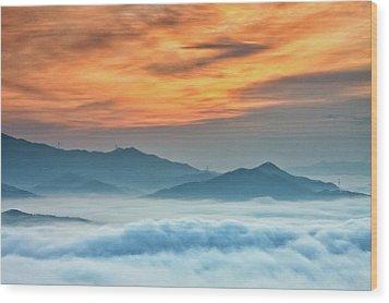 Sea Of Clouds By Sunrise Wood Print by SJ. Kim
