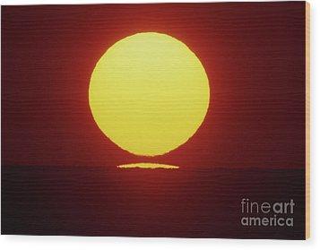 Wood Print featuring the photograph Sea Of Japan by Tatsuya Atarashi