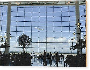 Seatac Airport K088 Wood Print by Yoshiki Nakamura