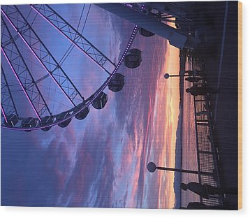 Seattle Ferris Wheel Wood Print