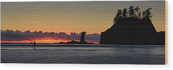 Wood Print featuring the photograph Second Beach Silhouettes by Dan Mihai