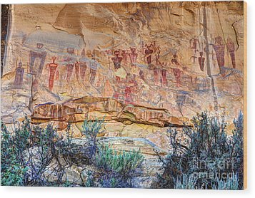 Sego Canyon Indian Petroglyphs And Pictographs Wood Print by Gary Whitton