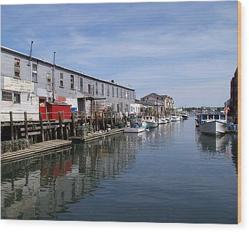 Wood Print featuring the photograph Serenity Of The Harbor by Lynda Lehmann
