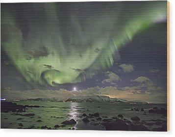 Setting Moon And Aurora Wood Print