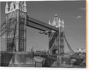 Wood Print featuring the photograph Seven Seconds - The Tower Bridge Hawker Hunter Incident Bw Versio by Gary Eason