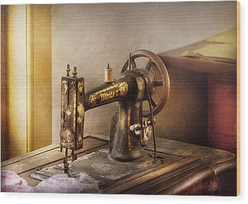 Sewing - A Black And White Sewing Machine  Wood Print by Mike Savad