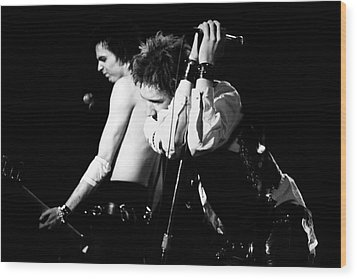 Sex Pistols John And Sid 1978 Wood Print by Chris Walter
