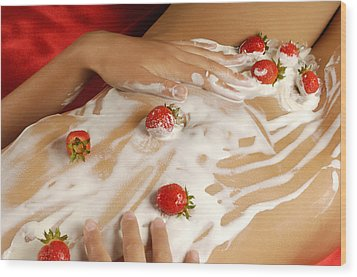 Sexy Nude Woman Body Covered With Cream And Strawberries Wood Print