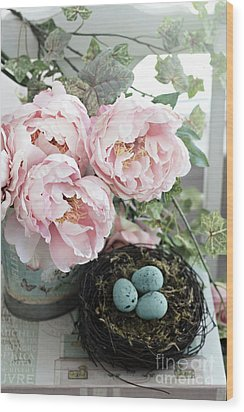 Shabby Chic Peonies With Bird Nest Robins Eggs - Summer Garden Peonies Wood Print