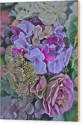 Sherry's Silks Wood Print by Gwyn Newcombe