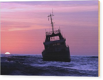 Wood Print featuring the photograph Shipwreck by Riana Van Staden