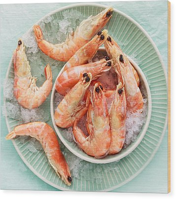 Shrimp On A Plate Wood Print by Anfisa Kameneva