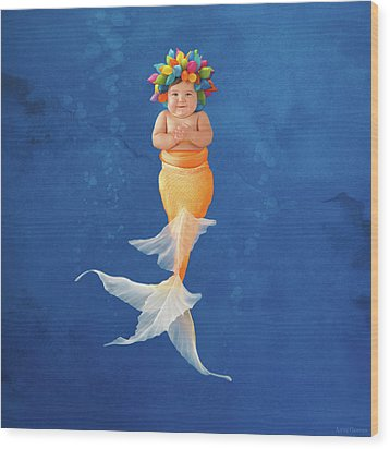 Sienna As A Mermaid Wood Print by Anne Geddes