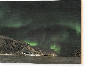 Wood Print featuring the photograph Siglufjordur by Frodi Brinks