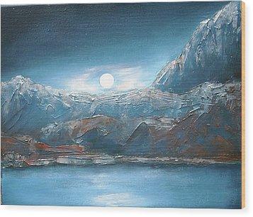 Silent Night In Silver Wood Print by Anne Thomassen