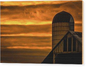 Silo Sunset Wood Print