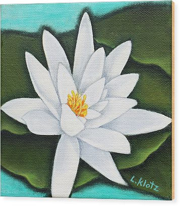 Single White Water Lily Wood Print by Lorraine Klotz