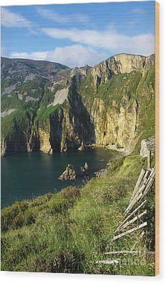 Wood Print featuring the photograph Slieve League Cliffs Eastern End by RicardMN Photography