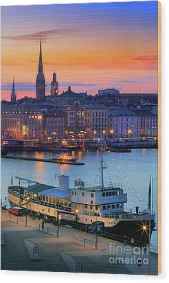 Slussen By Night Wood Print by Inge Johnsson
