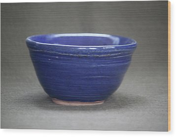 Small Blue Ceramic Bowl Wood Print by Suzanne Gaff