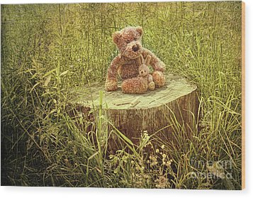 Small Little Bears On Old Wooden Stump  Wood Print by Sandra Cunningham