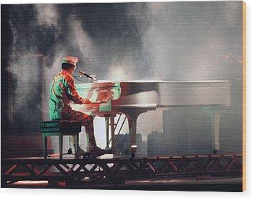 Smokin' Elton Wood Print by Scott Smith