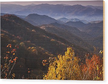 Smoky Mountain Hillsides At Autumn Wood Print by Andrew Soundarajan