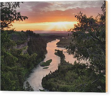 Snake River Sunset Wood Print by Leland D Howard