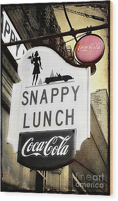 Snappy Lunch Wood Print