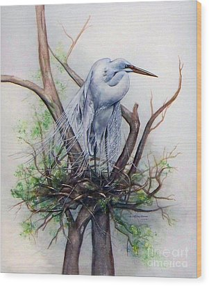 Snowy Egret On Nest Wood Print by Laurie Tietjen
