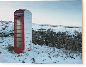 Snowy Telephone Box Wood Print by Helen Northcott