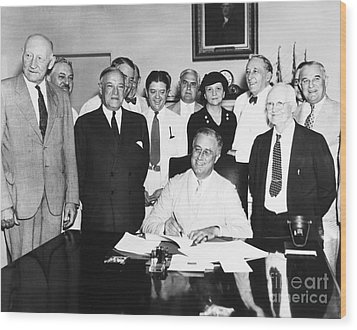 Social Security Act, 1935 Wood Print by Granger