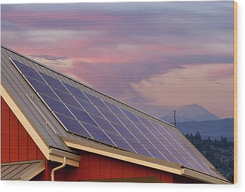 Solar Panels On Roof Of House Wood Print by David Gn
