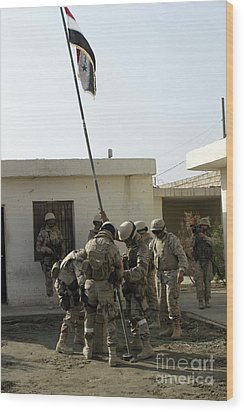 Soldiers From The Iraqi Special Forces Wood Print by Stocktrek Images