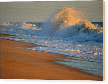 Sound Of The Surf Wood Print by Dianne Cowen